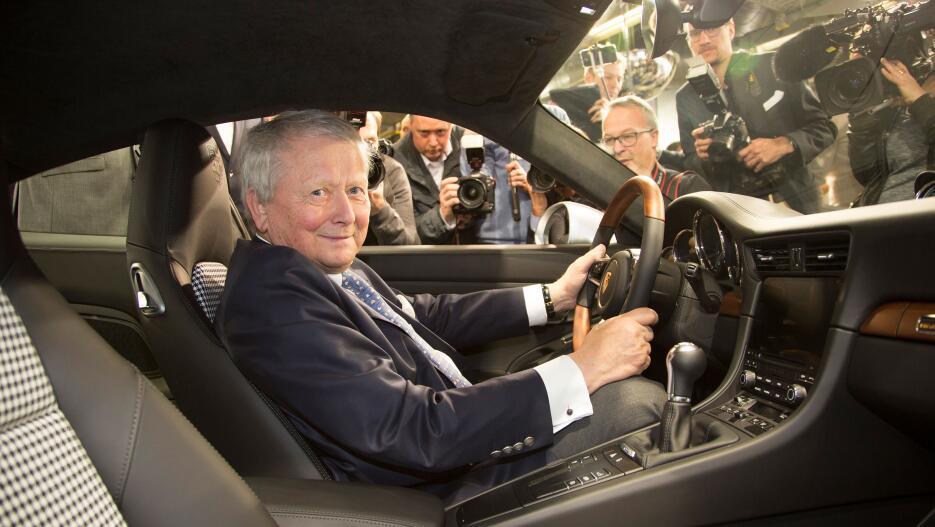 El Porsche 911 número un millón en fotos high_dr_wolfgang_porsche_chairm...