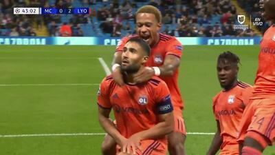 ¡GOOOL! Nabil Fekir anota para Lyon