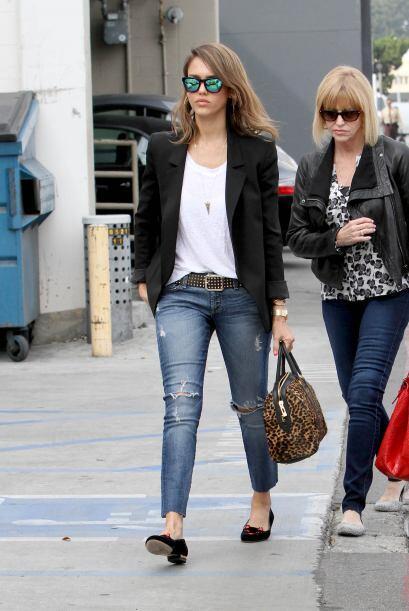 El look de Jessica Alba es màs 'basic' pero perfecto si tu celebración e...