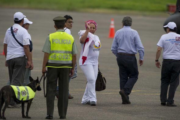 Momentos antes de despejar, Piedad Córdoba le dijo a los reporteros que...