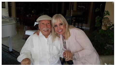 Carla Estrada y su padre Carlos Estrada Lang.