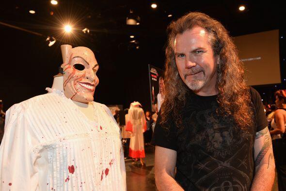 Una buena máscara, unos cuantos chorros de sangre y un vestuario de mied...