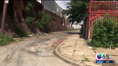 Empleado de la ciudad fue apuñalado mientras limpiaba un vecindario