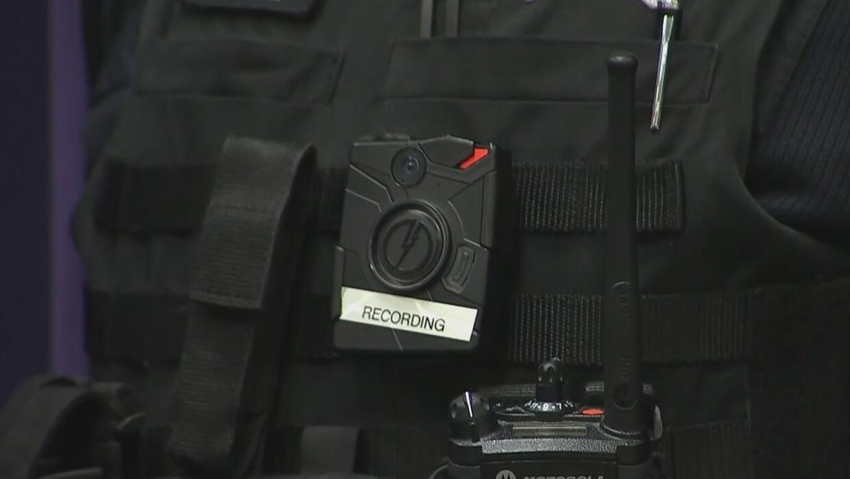 Esta semana llegarán nuevas cámaras corporales para la policía de Chicag...