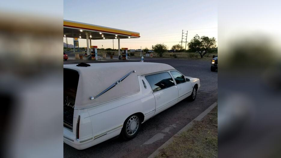 Decubren marihuana en un carro funebre Ataud2 CBP.jpg