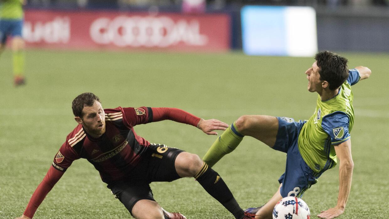 Álvaro Fernández barrida Chris McCann Atlanta United vs Seattle Sounders