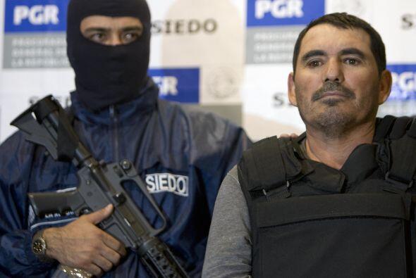 Peritos de la Procuraduría de Justicia del Estado de Baja California y m...