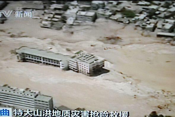 Los deslizamientos de tierra ocurrieron el sábado por la noche, en la pr...