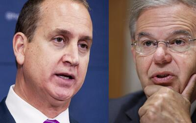 El congresista Mario Díaz-Balart (D-Florida) y el senador Bob Men...