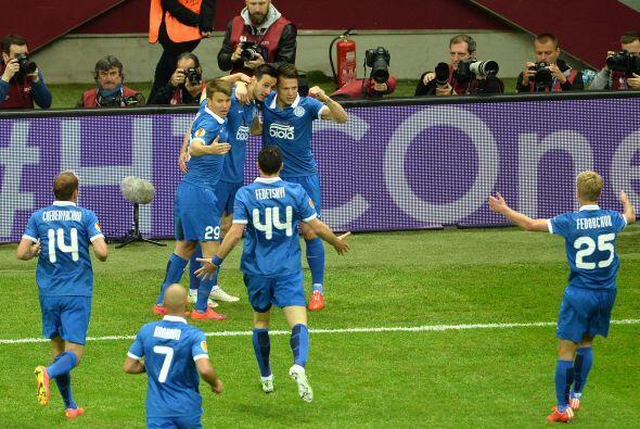 Ya que al minuto 7 Nikola Kalinić adelantó a los ucranianos con un cabez...