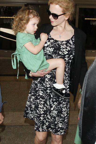 ¡Otra famosa que pasó esta fecha  a la moda y en familia fue Nicole Kidm...