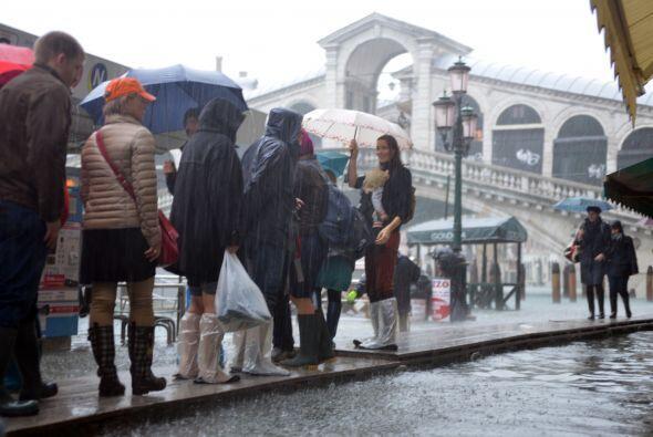 En Toscana, centro del país, unas 200 personas fueron evacuadas, mientra...