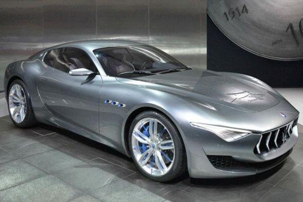 Maserati Alfieri Concept: Su mecánica se compone del impulsor V8 de 4.7...