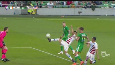 Bobby Wood anota el 1-0 para Team USA tras grave error irlandés