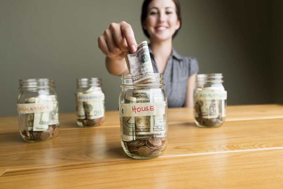 Crea un fondo o reserva de emergencia, es decir, para esos imprevistos q...