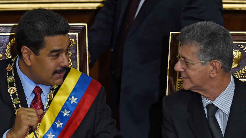 Maduro pide rescatar precios del petróleo para salvar economía venezolan...