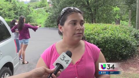Familias evacúan sus viviendas a causa de las fuertes lluvias