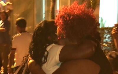 Emotivo reencuentro de 41 balseros cubanos con sus familiares al llegar...