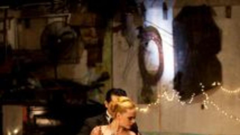 ¿Logrará esta pareja recibir un sí de Jennifer? Foto por Robert Sobree c...