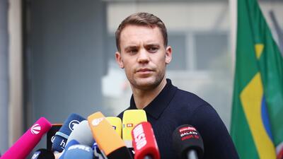 Manuel Neuer niega que Özil haya sufrido racismo dentro de la selección alemana