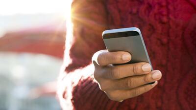 ¿Nuevo impuesto a mensajes de texto en California?