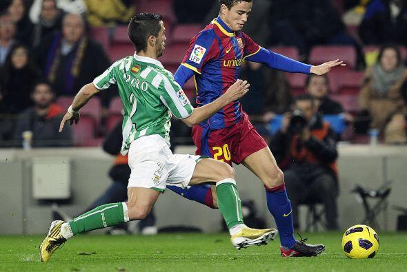 El holandés Ibrahim Afellay por fin debutó como 'blaugrana' en el Camp Nou.