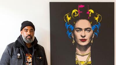 Tony Peralta, un artista gráfico que resalta la cultura latina
