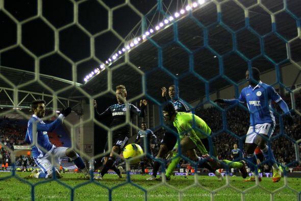 Cuando quedaban 2 minutos para el final, Jordi Gomez empató el partido.