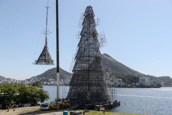 Así es como lucia el árbol cuando estaba en construcción, nadie se imagi...