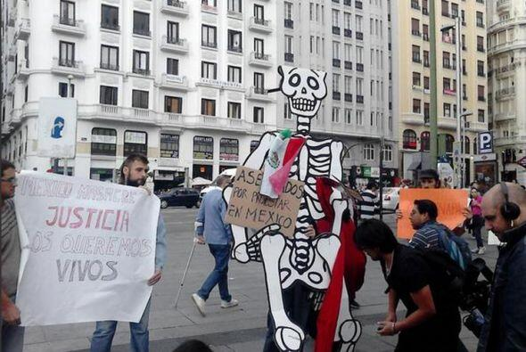 El llamado de justicia por los 43 estudiantes desaparecidos en Iguala, G...