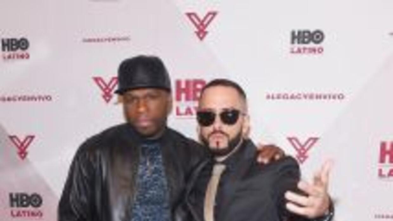 Yandel contó con invitados como 50 Cent, quien posó junto con el reggaet...