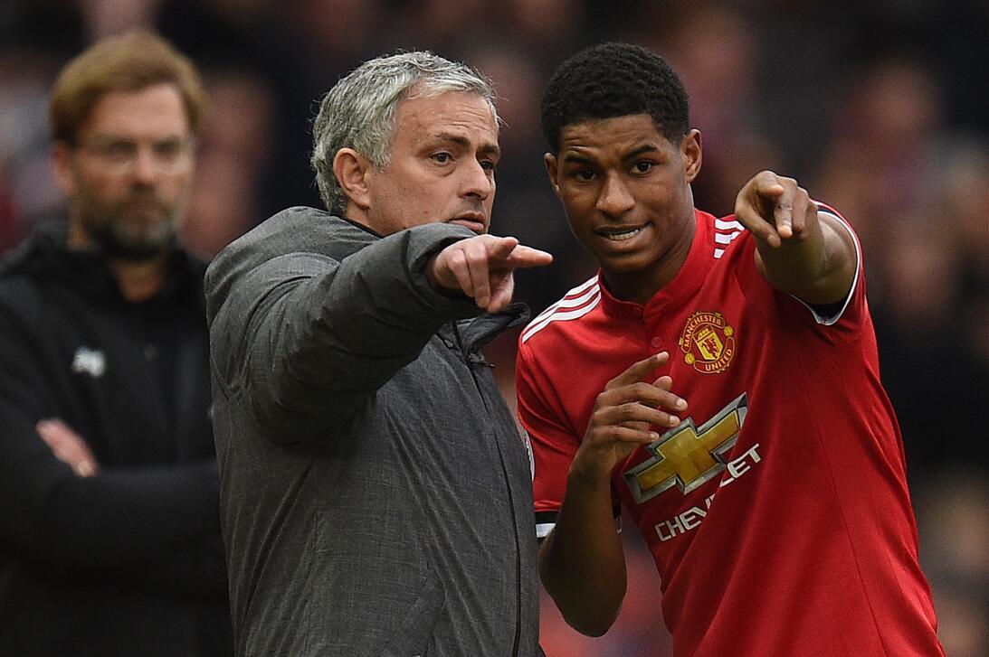 Manchester United venció 2-1 a Liverpool en duelo tradicional en Premier...