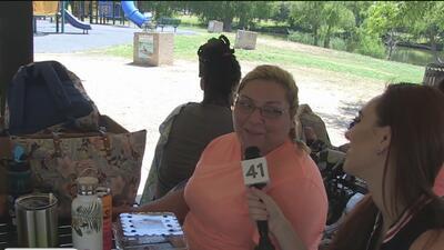 Familias festejan Memorial Day en el parque Woodland