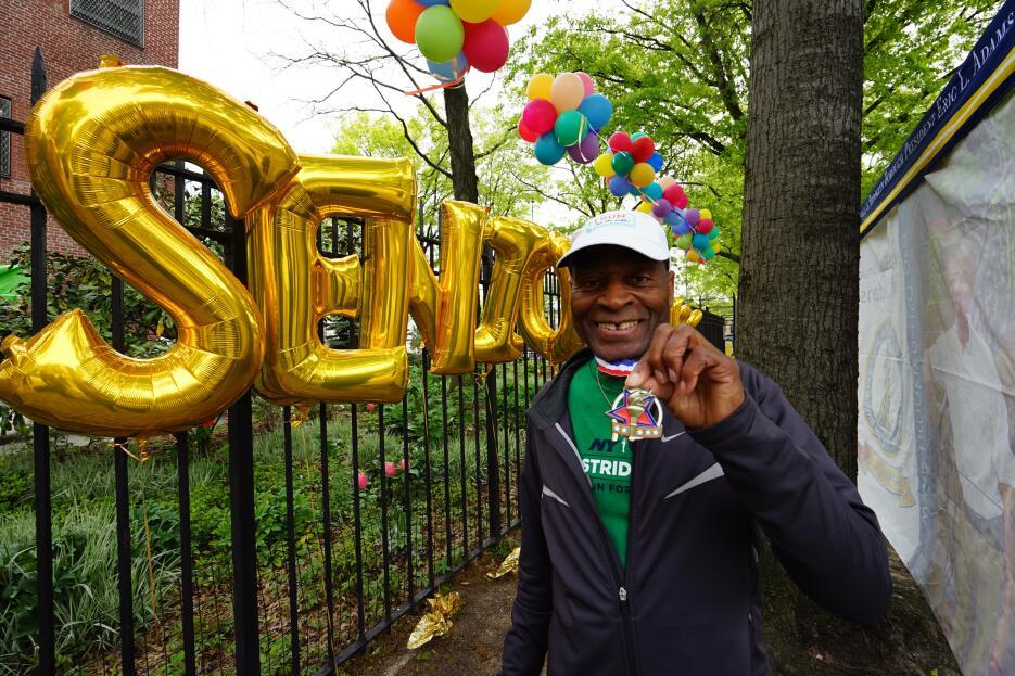 Seniors  se toman Brooklyn DSC09741.jpg