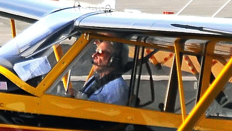Imágenes tomadas el 13 de febrero, muestran a Harrison Ford pilotando so...