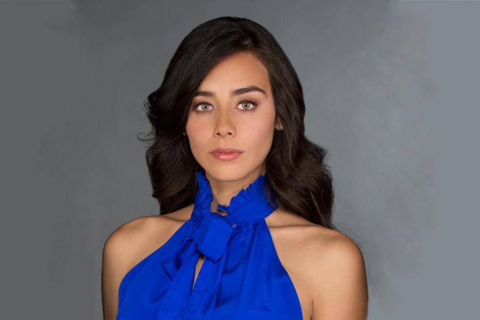 Esmeralda Pimentel es Lucía Gaxiola en El Color de la Pasión.
