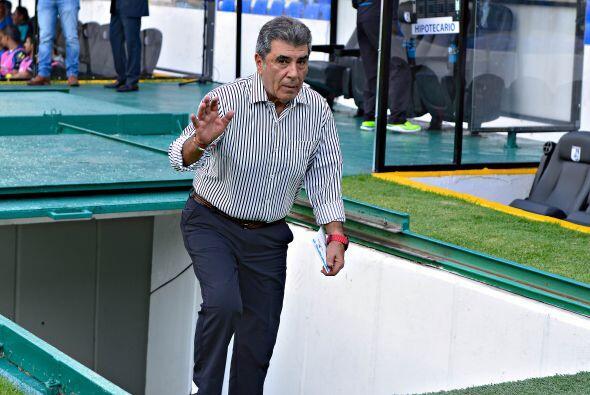 Y finalmente el primer entrenador que será cesado de su cargo será Carlo...
