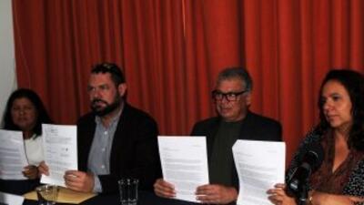 Norma Trujillo, Guillermo Osorno, Francisco Goldman y Marcela Turati en...