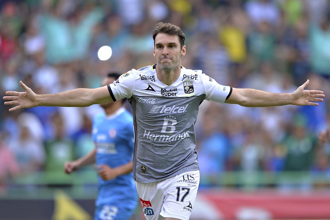 Cruz Azul cerró el torneo en León sin 'cruzazulearla' Mauro Boselli cele...