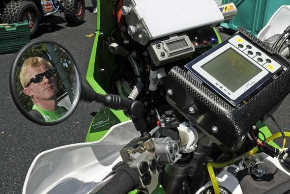 El noruego Pal Anders Ullevalseter posó en su moto durante las preparaci...
