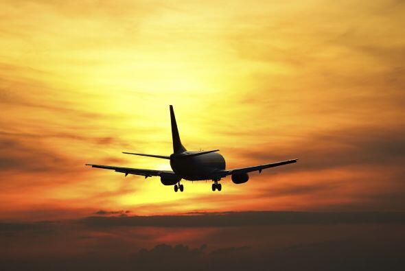Aries  Soñar con aviones, trenes, autos  Tu signo tiende a soñar con ave...
