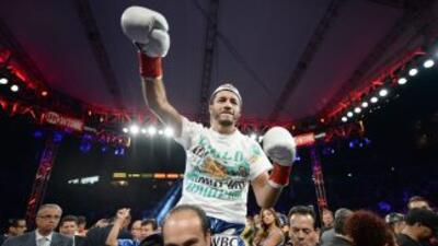Jhonny González venció y retiró a Jorge 'Travieso' Arce.