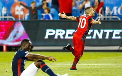 Sebastian Giovinco celebra gol Toronto FC