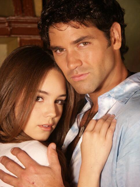 Camila Sodi y Valentino Lanús protagonizaron 'Inocente de ti' en...