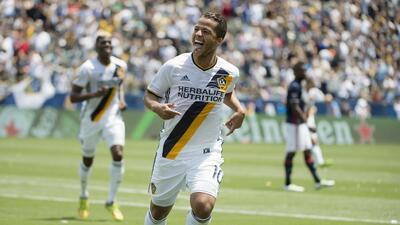 Giovani dos Santos lució su pegada en el triunfo del Galaxy ante Revs.