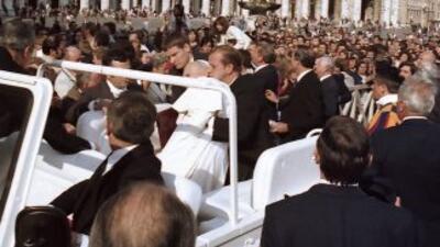 La camiseta ensangrentada de Juan Pablo II que vestía el día del atentad...