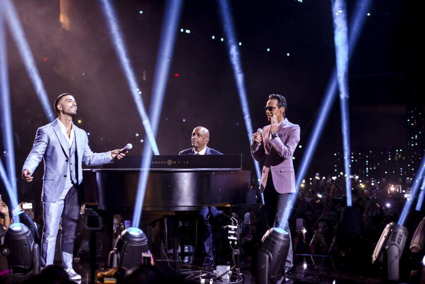 Luis Figueroa interpreta junto Marc Anthony y Sergio George el éx...