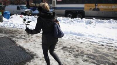 Otra nevada azotó el sábado el noreste de Estados Unidos en momentos en...