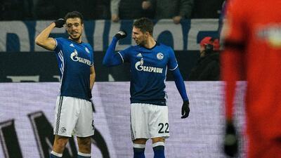 Schalke doblega con lo justo al Hertha Berlín