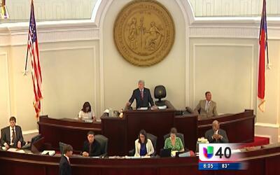 Plan presupuestario de Carolina del Norte provoca controversia en el Sen...